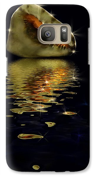 Galaxy Case featuring the photograph Conch Sparkling With Reflection by Peter v Quenter