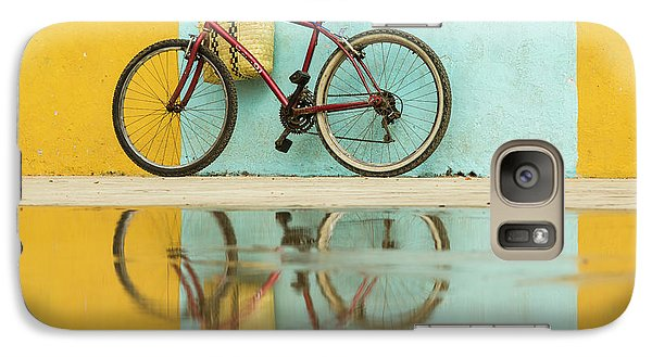 Bicycle Galaxy S7 Case - Cuba, Trinidad Bicycle And Reflection by Brenda Tharp