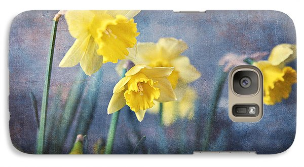 Galaxy Case featuring the photograph Daffodils by Sylvia Cook