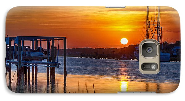 Galaxy Case featuring the photograph Days End On Water by Alan Raasch
