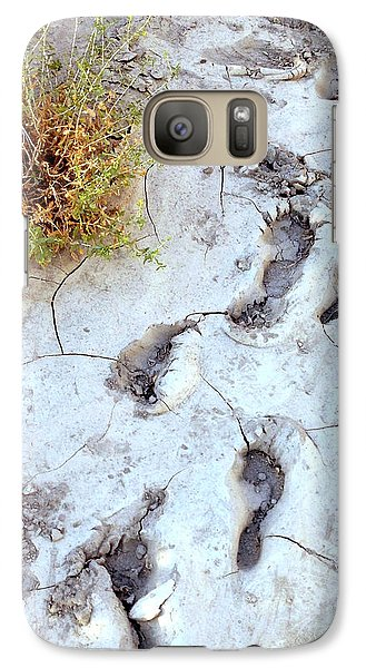 Galaxy Case featuring the painting Desert Footprints by Dan Redmon
