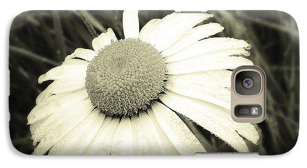 Dew Drops  Galaxy S7 Case by Les Cunliffe