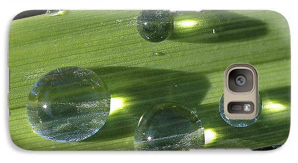 Galaxy Case featuring the photograph Dew Drops On Leaf by Gary Slawsky