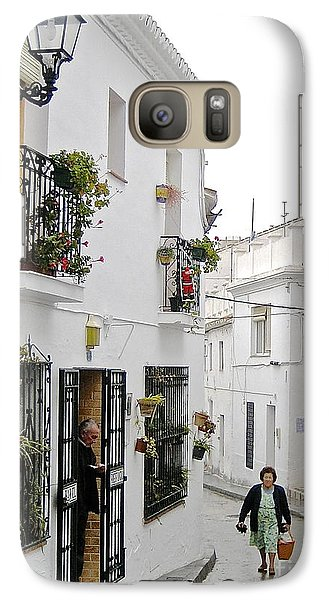Galaxy Case featuring the photograph Dinner Delivery by Suzanne Oesterling
