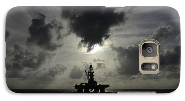 Distant Offshore Oil Rig Galaxy S7 Case