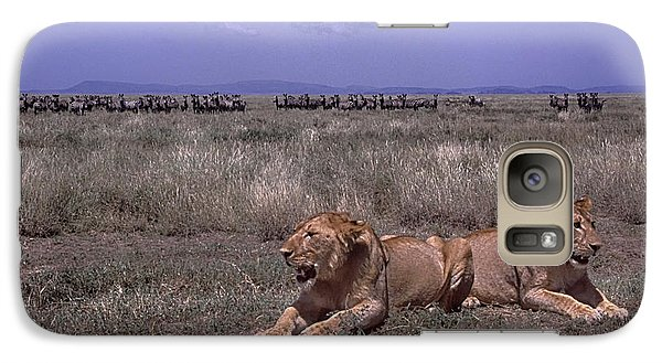 Galaxy Case featuring the photograph Drama On The Serengeti by Gary Hall