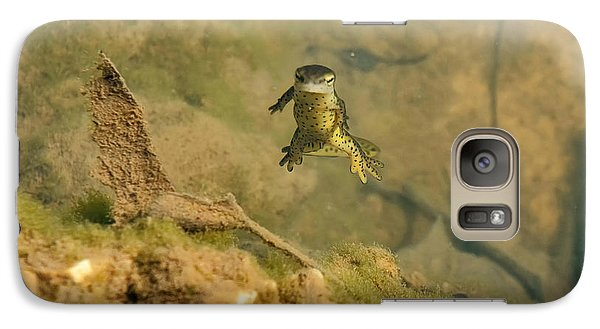 Eastern Newt In A Shallow Pool Of Water Galaxy Case by Chris Flees
