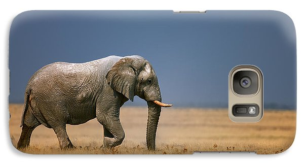 Bass Galaxy S7 Case - Elephant In Grassfield by Johan Swanepoel