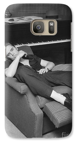 Elvis Presley At Home By His Piano 1956 Galaxy S7 Case by The Harrington Collection