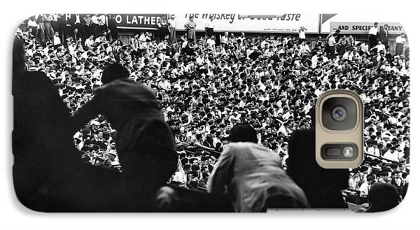 Fans In The Bleachers During A Baseball Game At Yankee Stadium Galaxy S7 Case by Underwood Archives