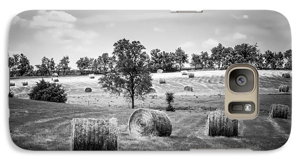Field Of Hay In Black And White Galaxy S7 Case by Beverly Parks
