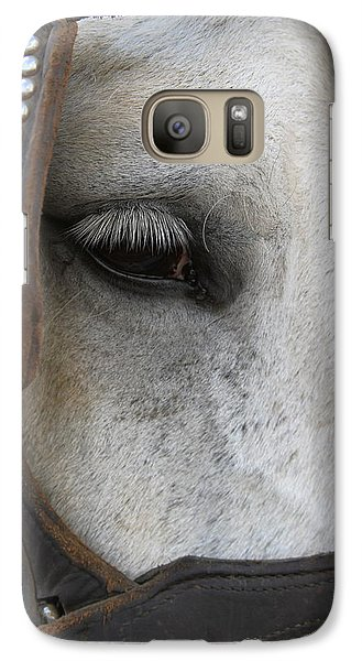 Galaxy Case featuring the photograph Focused On Pulling by Laddie Halupa