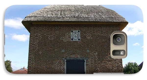 Galaxy Case featuring the photograph Foxton Dovecote by Richard Reeve