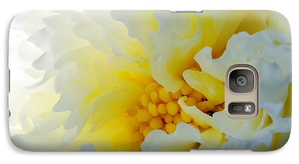 Galaxy Case featuring the photograph Frilling by Wendy Wilton