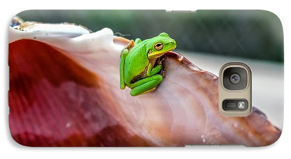 Galaxy Case featuring the photograph Frog In A Cockle by Rob Sellers