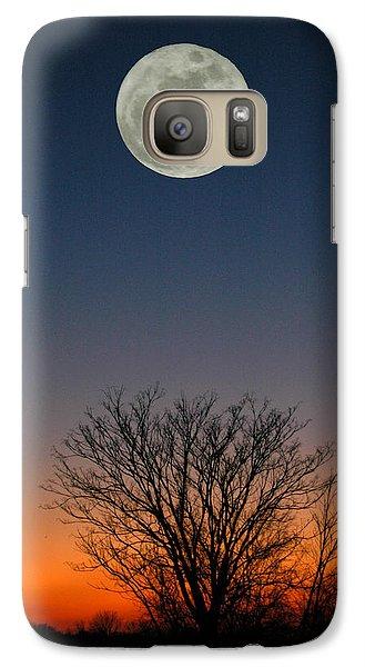 Galaxy Case featuring the photograph Full Moon Rising by Raymond Salani III