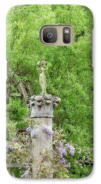 Galaxy Case featuring the photograph Gazebo In The Maze At Chenonceau by Susan Alvaro