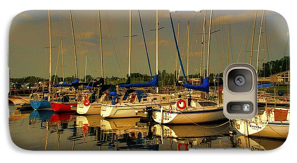 Galaxy Case featuring the photograph Gimli Harbour by Larry Trupp