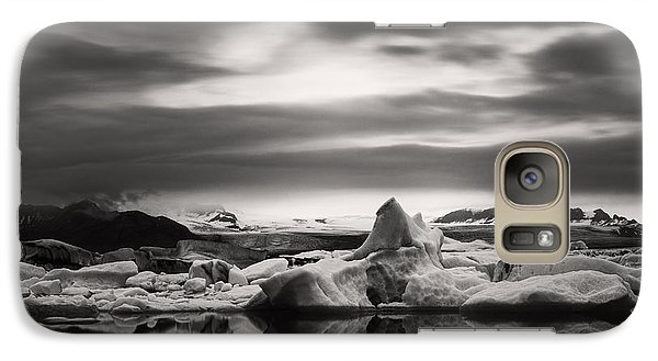 Galaxy Case featuring the photograph Glacier Lagoon by Frodi Brinks