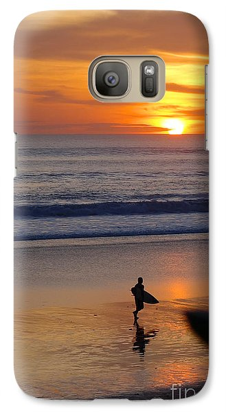 Galaxy Case featuring the photograph Going Home by Serene Maisey