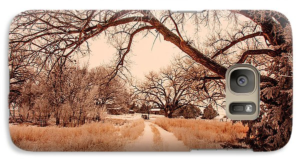 Galaxy Case featuring the photograph Going Home by Shirley Heier