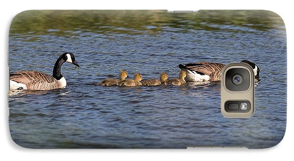 Galaxy Case featuring the photograph Goose Family by Leif Sohlman