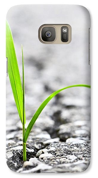 Garden Galaxy S7 Case - Grass In Asphalt by Elena Elisseeva