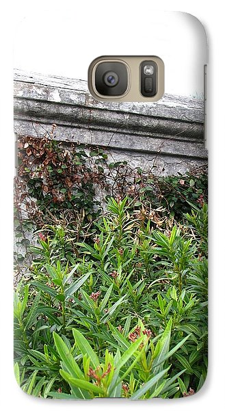 Galaxy Case featuring the photograph Grave by Beth Vincent