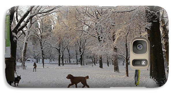 Galaxy Case featuring the photograph Greeting Friends In Central Park by Winifred Butler