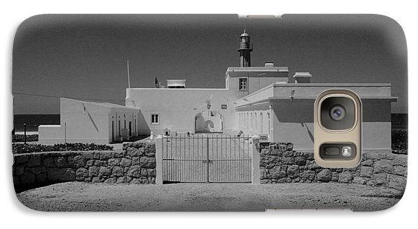 Galaxy Case featuring the photograph Guia by Luis Esteves