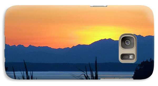 Galaxy Case featuring the photograph I Like To Color by Chris Anderson