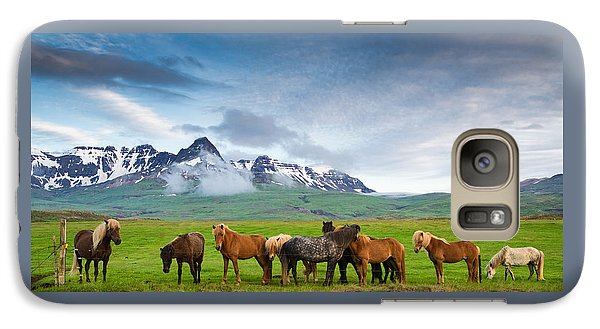 Icelandic Horses In Mountain Landscape In Iceland Galaxy S7 Case by Matthias Hauser