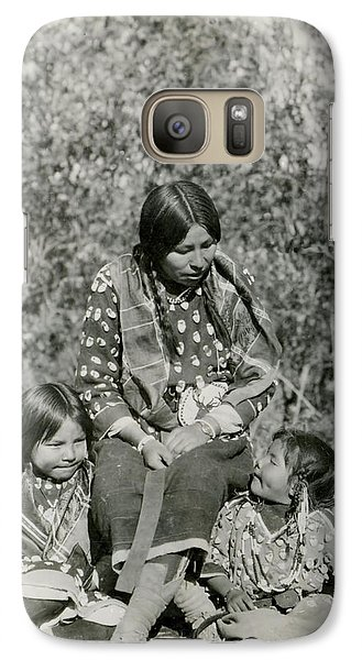 Galaxy Case featuring the photograph Indian Mother With Daughters by Charles Beeler