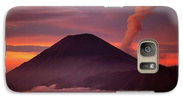 Mountain Galaxy S7 Case - Indonesia Mt Semeru Emits A Plume by Jaynes Gallery