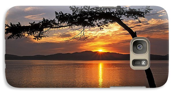 Galaxy Case featuring the photograph Island Sunrise by Inge Riis McDonald