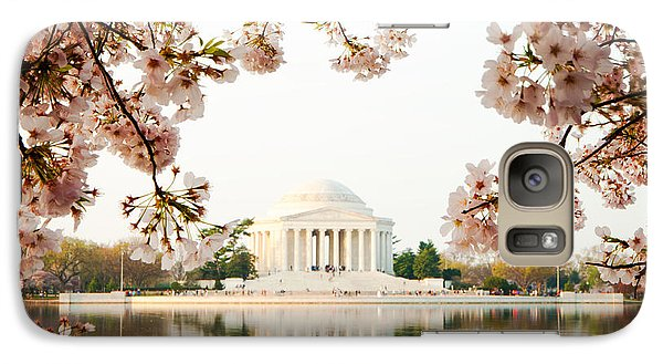 Jefferson Memorial With Reflection And Cherry Blossoms Galaxy Case by Susan Schmitz