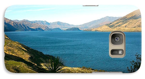 Galaxy Case featuring the photograph Lake Hawea by Stuart Litoff