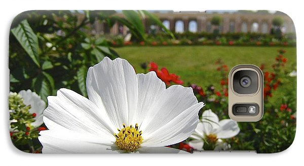 Galaxy Case featuring the photograph Le Fleur De Versailles by Suzanne Oesterling