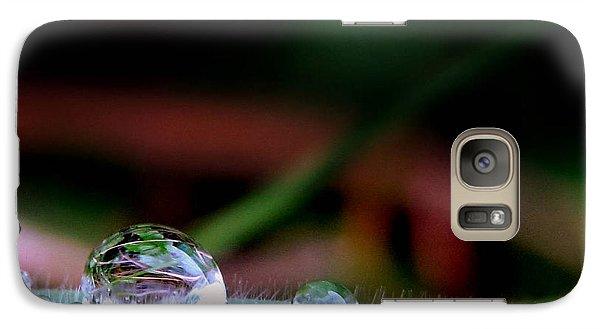 Galaxy Case featuring the photograph Leafy Drop by Suzy Piatt