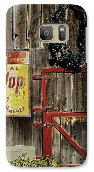 Galaxy Case featuring the photograph Leon Johnson Barn by Priscilla Burgers