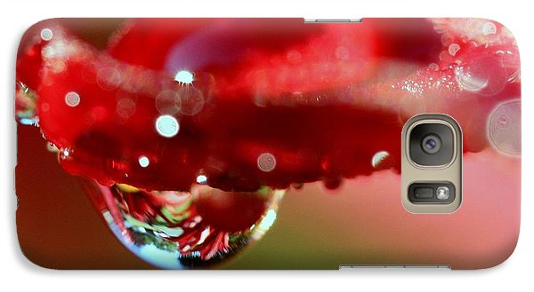 Galaxy Case featuring the photograph Lily Droplets by Suzanne Stout