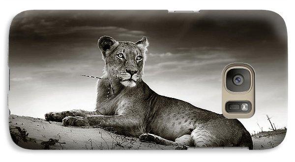 Lion Galaxy S7 Case - Lioness On Desert Dune by Johan Swanepoel