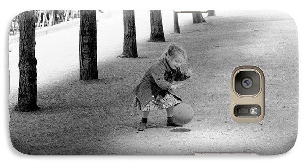 Little Girl With Ball Paris Galaxy S7 Case