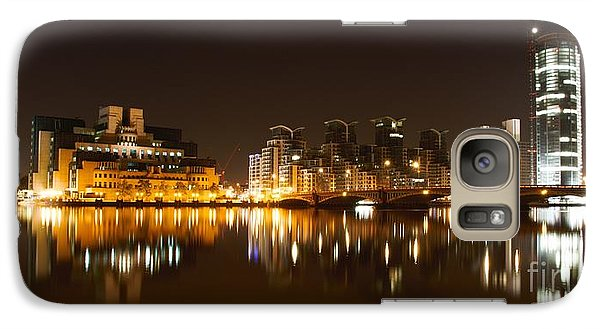 Galaxy Case featuring the photograph London 3 by Mariusz Czajkowski
