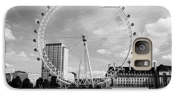 Galaxy Case featuring the photograph London Eye Head-on Bw by Matt Malloy