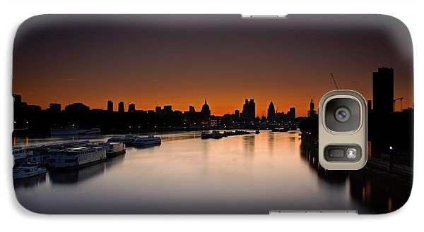 Galaxy Case featuring the photograph London Sunrise by Mariusz Czajkowski