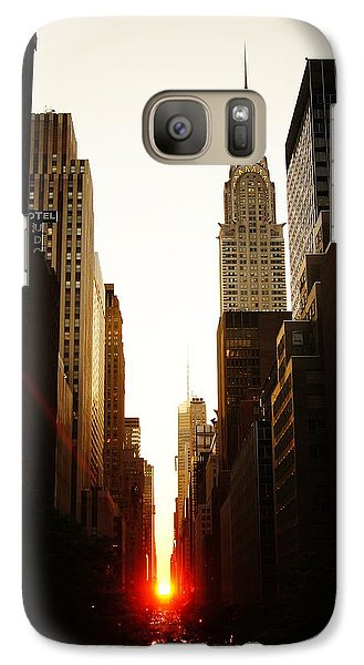 Chrysler Building Galaxy S7 Case - Manhattanhenge Sunset And The Chrysler Building  by Vivienne Gucwa