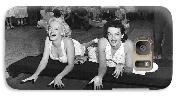 Marilyn Monroe And Jane Russell Galaxy S7 Case by Underwood Archives
