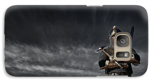Medieval Knight With Sword And Axe Galaxy S7 Case by Holly Martin