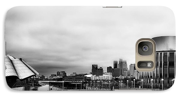 Minneapolis From The University Of Minnesota Galaxy S7 Case by Tom Gort